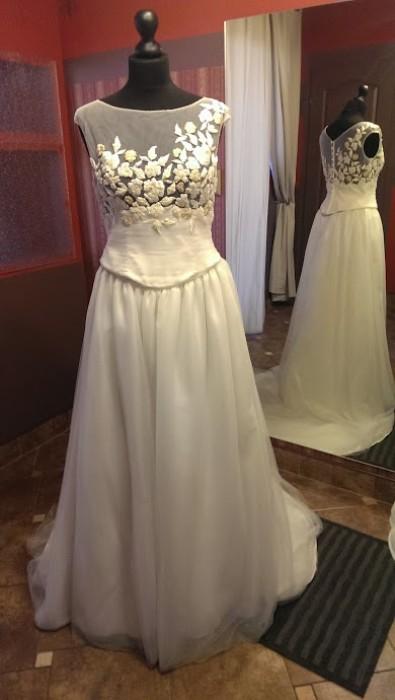 5f02abf330 Piękna suknia dwuczęściowa- gorset i spódnica znanego projektanta mody  ślubnej. Tylko u nas w takiej cenie- 950 zł