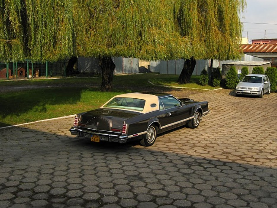 lincoln continental mark v 1978r auto do lubu d browa. Black Bedroom Furniture Sets. Home Design Ideas
