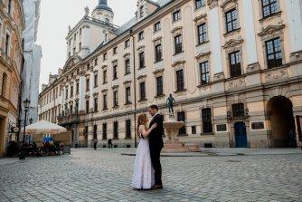Kreomedia - piękny film w 4K z dwóch lustrzanek i drona Wrocław