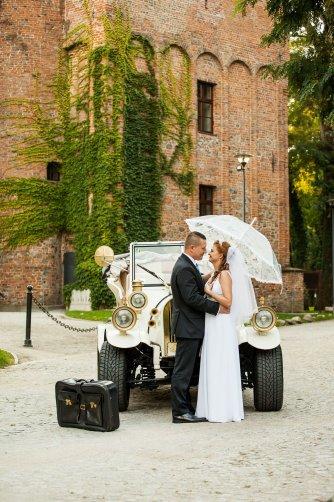 Samochód do ślubu imprezy sesje zdjęciowe wieczory panieńskie WOŁÓW