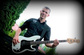 Paweł Iwański - gitara basowa Toruń