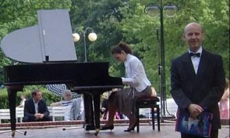 konferansjer-koncert Pozna�