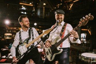 Tomasz - Basista , to nie jego wina ale jest z nas najstarszy  Kalisz