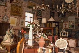 Galeria antycznych mebli, lamp, obrazów etc.  Opalenica
