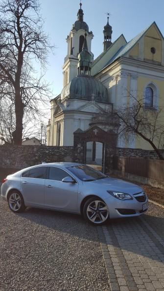 na tle kościoła Katowice