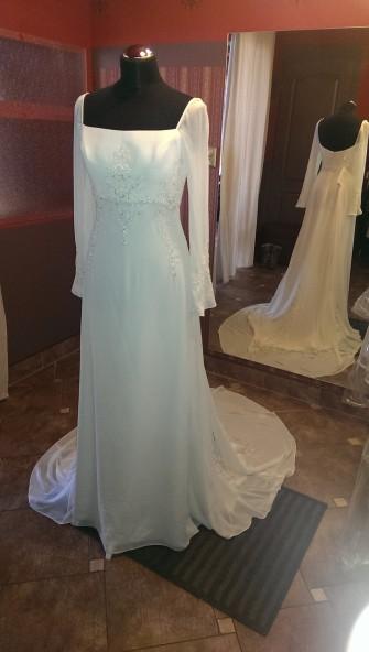 Delikatna, zwiewna wloska suknia ślubna Łódź