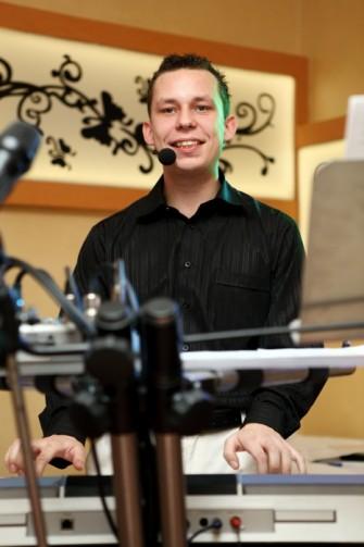 Klawiszowiec i wokalista Rawicz