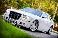 Chrysler 300c w kolorze białym - wyjątkowy tuning!! Bochnia