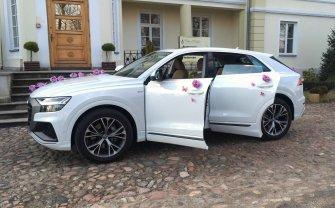 Białe Audi Q8 do ślubu Grójec