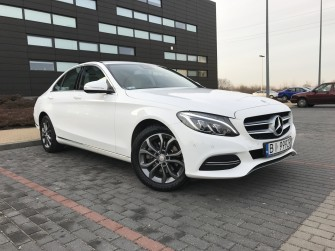 Piękny Najnowszy Biały Mercedes klasy C, E i S  Warszawa