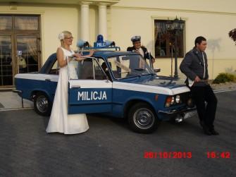 Wynajem Fiata 125p Milicja samochód na ślub panieńskie  Kamieniec Wrocławski