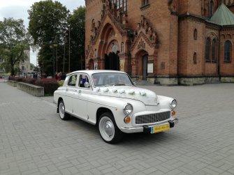 Zabytkowe auto FSO Warszawa 224 retro - Tarnów
