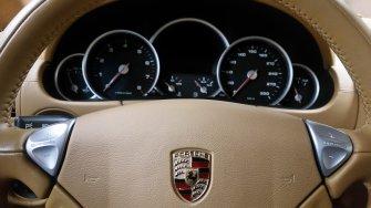 Porsche Cayenne Turbo 4,8 V8 wynajem samochodu do ślubu na wesele Tychy