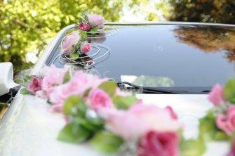 Samochód do ślubu w pięknym białym kolorze Opatów