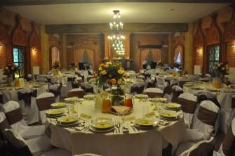 Sala Rycerska - oryginalny klimat; wspania�e menu - atrakcyjne ceny! Rzesz�w