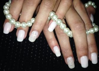 Manicure hybrydowy Pozna�