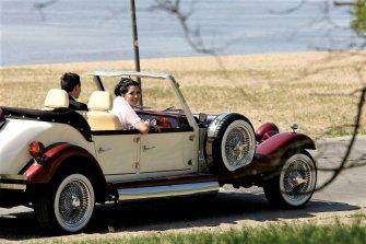 Najładniejsze zabytkowe samochody do ślubu auta RETRO Excalibur Nestor Siedlce