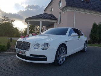 BENTLEY FLYING SPUR  łódź