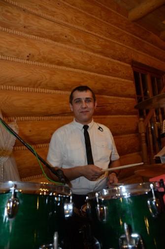 Michał - perkusja, wokal, akordeon, prowadzenie zabaw. Radom