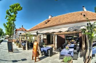 Widok na restaurację z zewnątrz Warszawa