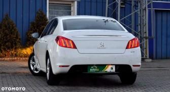 Limuzyna Peugeot 508 - biała perła Warszawa