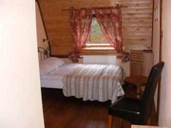 Pokój dwuosobowy z łóżkiem małzeńskim Prabuty