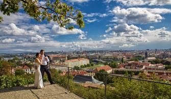 Praga-Hradczany widok na miasto Pozna�