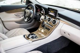 Mercedes-Benz C klasa wersja Exclusive - Wynajem pojazdu do ślubu  Kraków
