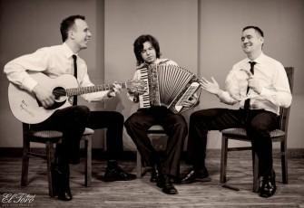 Zachowuj�c tradycje zapraszamy do biesiadowania przy akordeonie,gitarze !EltoroBand Bydgoszcz