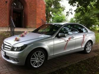 Elegancki Srebrny Mercedes C-klasse Avantgarde Toruń