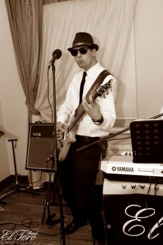 Jarek-gitarzysta ,wokalista. Bydgoszcz