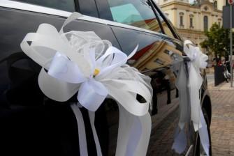 Czarny nowy Mercedes E-Klasa 2012 Warszawa
