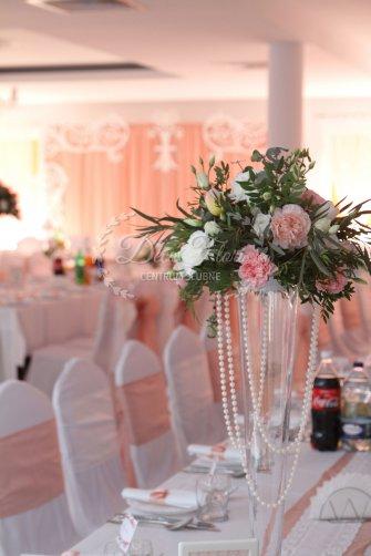 Decoflori dekoracje ślubne, pokorwce na krzesła Fajsławice