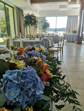 sala weselna z widokiem na jezioro Zbiczno