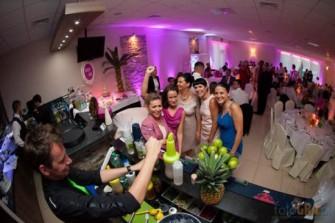 Barman na wesele  Pozna�