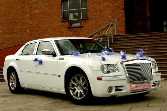 Chrysler 300c 5,7 HEMI kolor śnieżno biały Podegrodzie