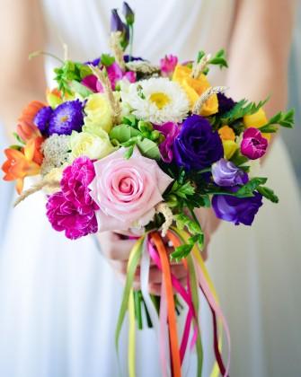 Letni bukiet ślubny inspirowany kolorystyką ludową.  Toruń
