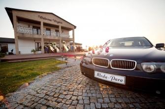 Eksluzywna limuzyna do ślubu BMW 730 E65, czarne z jasnym wnętrzem Poznań