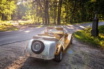Alfa Romeo Spider - RETRO CAR Pilzno