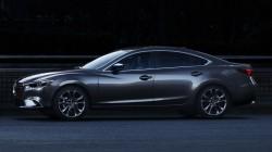 Nowa Mazda6 z roku modelowego 2017 w kolorze Machine Gray do ślubu Warszawa