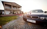 Eksluzywna limuzyna do �lubu BMW 730 E65, czarne z jasnym wn�trzem Pozna�