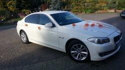 Białe BMW 5 F10 łódż