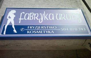 Fabryka Urody'' Salon Fryzjersko -Kosmetyczny Piastów