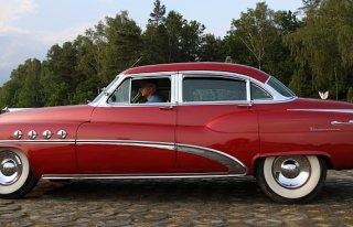 Auto do ślubu- Buick Roadmaster Gostyń