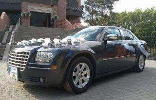 Limuzyna do ślubu Chrysler 300 C wynajem auta wynajem limuzyny Giżycko