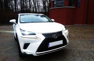 LEXUS, białe, eleganckie auto na ślub, z kierowcą Olsztyn