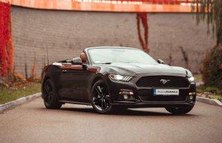 Ford Mustang Cabrio do ślubu. Sam lub z Kierowcą! | WeselnyDodatek.pl Gdańsk