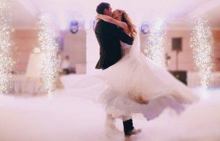Nowelia - Ciężki dym / Taniec w chmurach - Wyjątkowe atrakcje weselne Konin