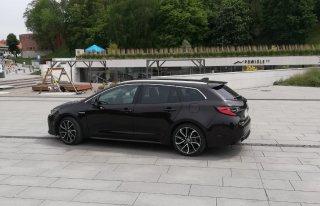Auto do ślubu Toyota Corolla Piękna Kraków