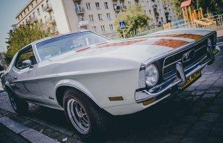 Klasyczny Mustang do ślubu Wrocław